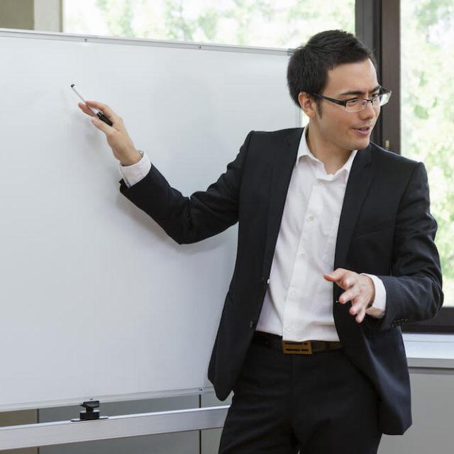 日本語学校の先生の要件